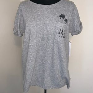 NWOT Roxy soft tee sz Small with embroidery